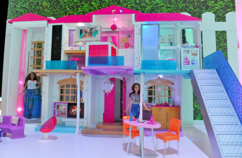 Barbie's-Dreamhouse