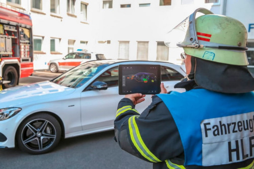 mercedes-ar-app-first-responders