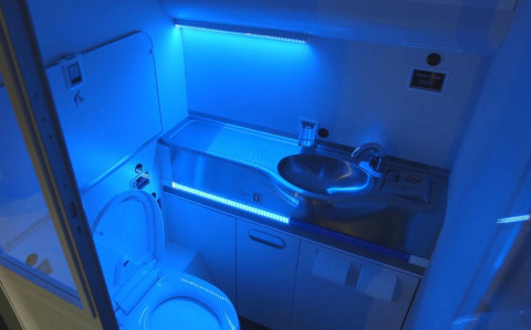 Self-Clean-Lavatory-BOEING