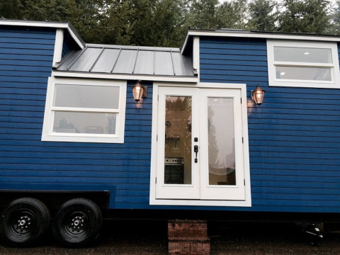 tiny-house-vintage-glam